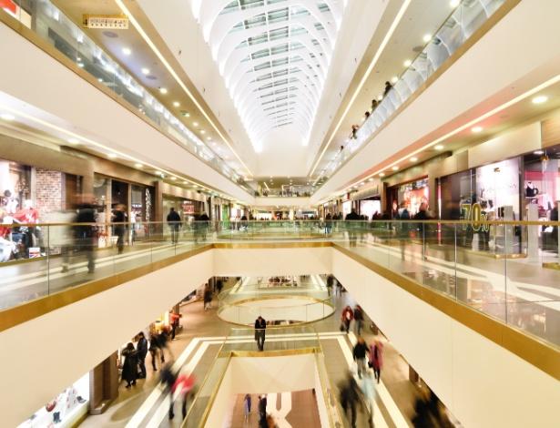 Sua loja no shopping center foi vítima deste abuso contratual?